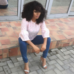Fans Drag Toke Makinwa Over Dark Toes Despite Her Skin Color Change(Photos)