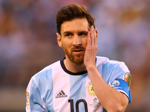 Maradona, Roberto Carlos, Salgado Slam Messi For Boycotting FIFA Award Night