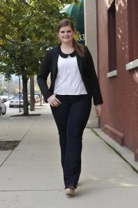 dress-for-success-curvy-girl-fashion-tips-l-jg1k7v