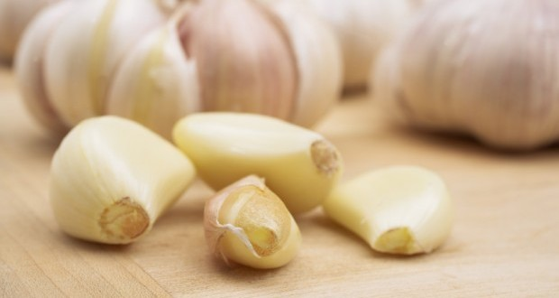 What Happens To Your Body When You Eat Garlic?