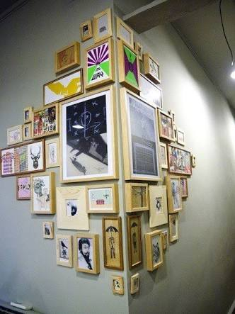 Amazing Ways To Arrange Picture Frames On Your Wall