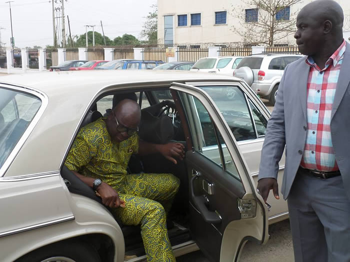 Watch Fayose As He Withdraws N5Million From Frozen Account PHOTOS  INSIDE