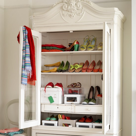 10-28-12-shoe-storage-country-homes-and-interiors