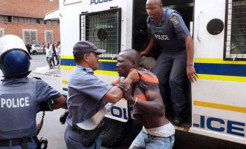 Lagos Policeman Stabs Unarmed Man With Broken Bottle For Mocking Cops