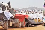 Over 200 Brides Catch Ride To Church In a Trailer For Mass Wedding [Photos]