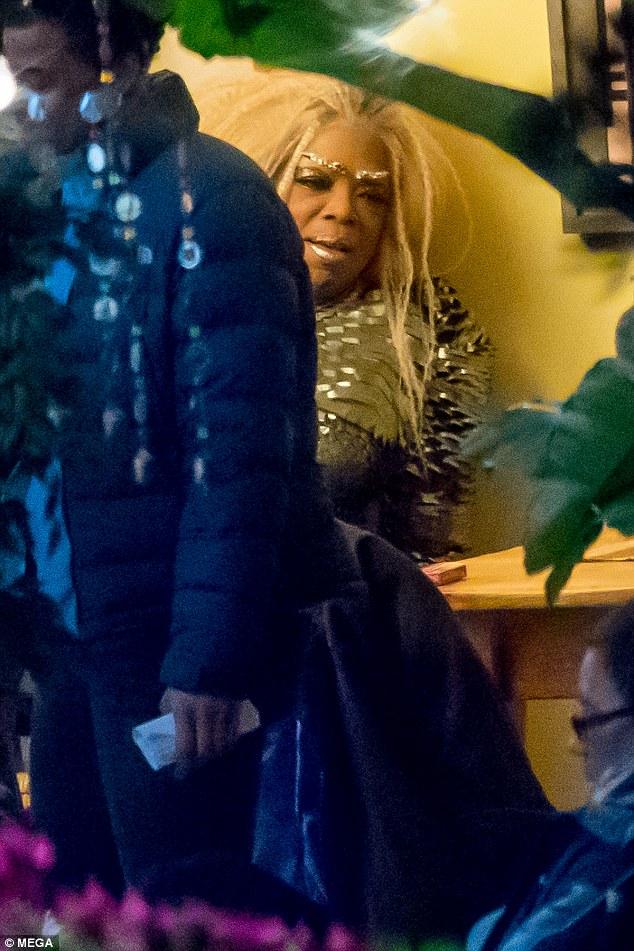 Oprah Winfrey Rocks Blonde Wig On Set On New Sci-fi Movie (LOOK)