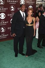 Beyonce's Dad Reveals Shock On Hearing About Her Pregnancy Only Via Instagram