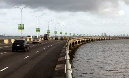 One Person Feared Dead As Another Car Plunges Into Lagos Lagoon [Video]