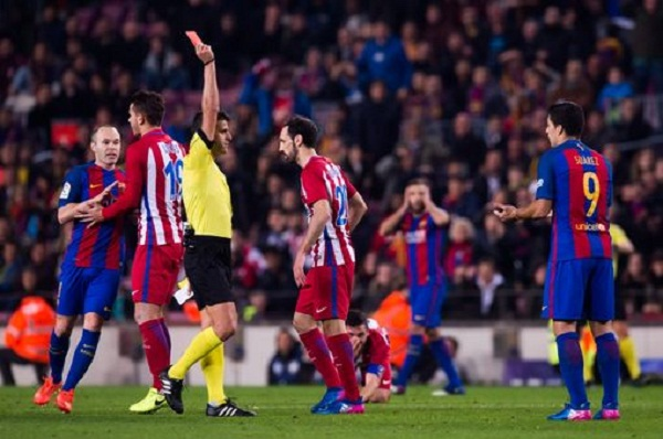 Suarez Sees Red As Barcelona Coasts Into Copa del Ray Final