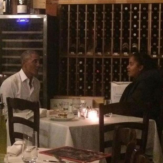 Awwww! Barack Obama Takes Eldest Daughter, Malia On Dinner Date