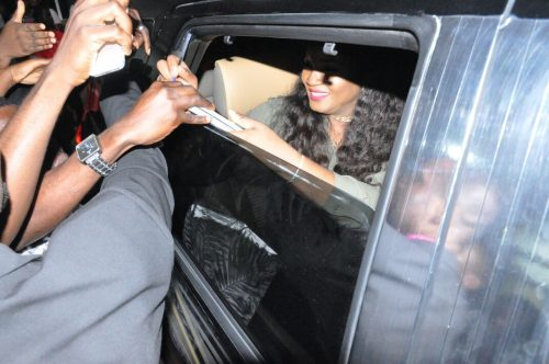 Fans Mob Omotola Jalade-Ekeinde at Ghana's Business School Where She Gave a Lecture – PHOTOS