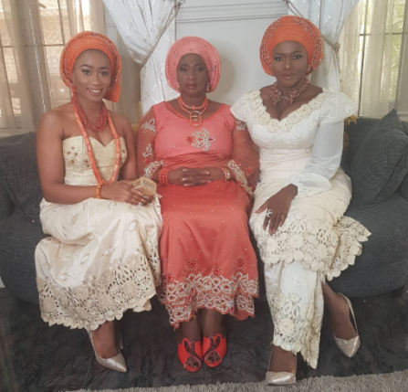 Photos: Singer, Waje And Family Stun At Wedding Of Younger Brother|
