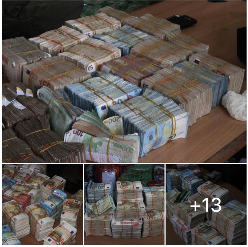 Photo News: EFCC Uncovers Another Cash Haul In Balogun Market, Lagos