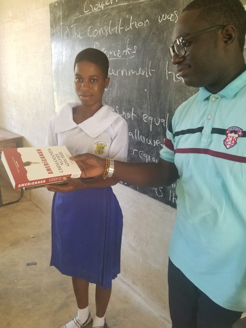 Nigerian Women Diary Commends & Gifts SS2 Student For Returning Lost Cash To The  Bank