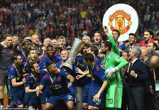 All Hail The Champions!!! Manchester United Win UEFA Cup!!!