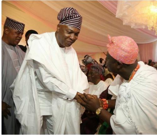 Anything Wrong With How Ooni Of Ife Greeted Senate President Bukola Saraki ? (Look)