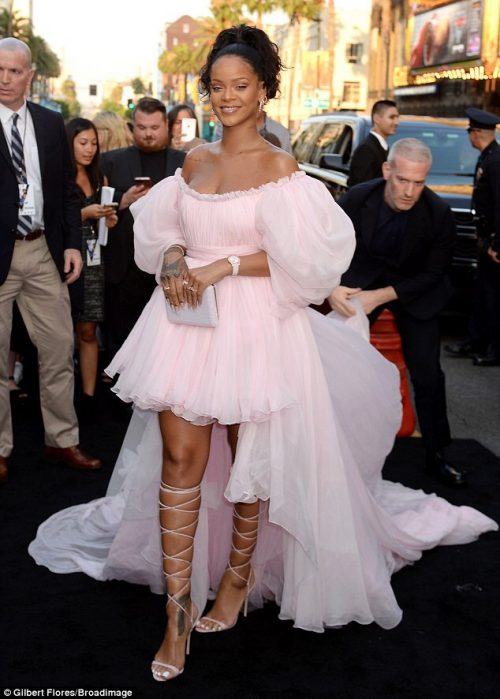 Rihanna Stuns At Premiere Of Her New Movie Valerian