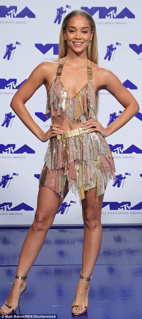 439F74BA00000578-4828382-Leggy_lady_The_German_actress_looked_absolutely_stunning_in_Mosc-a-66_1503898620344
