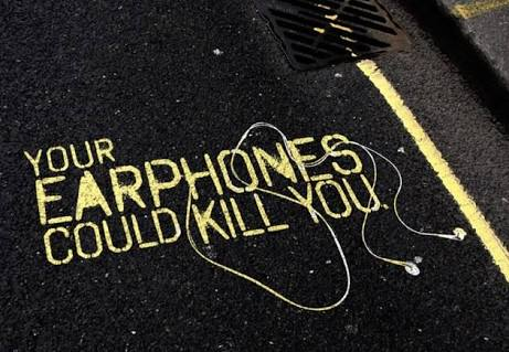 Earphones Could Be Very Dangerous – HERE'S WHY