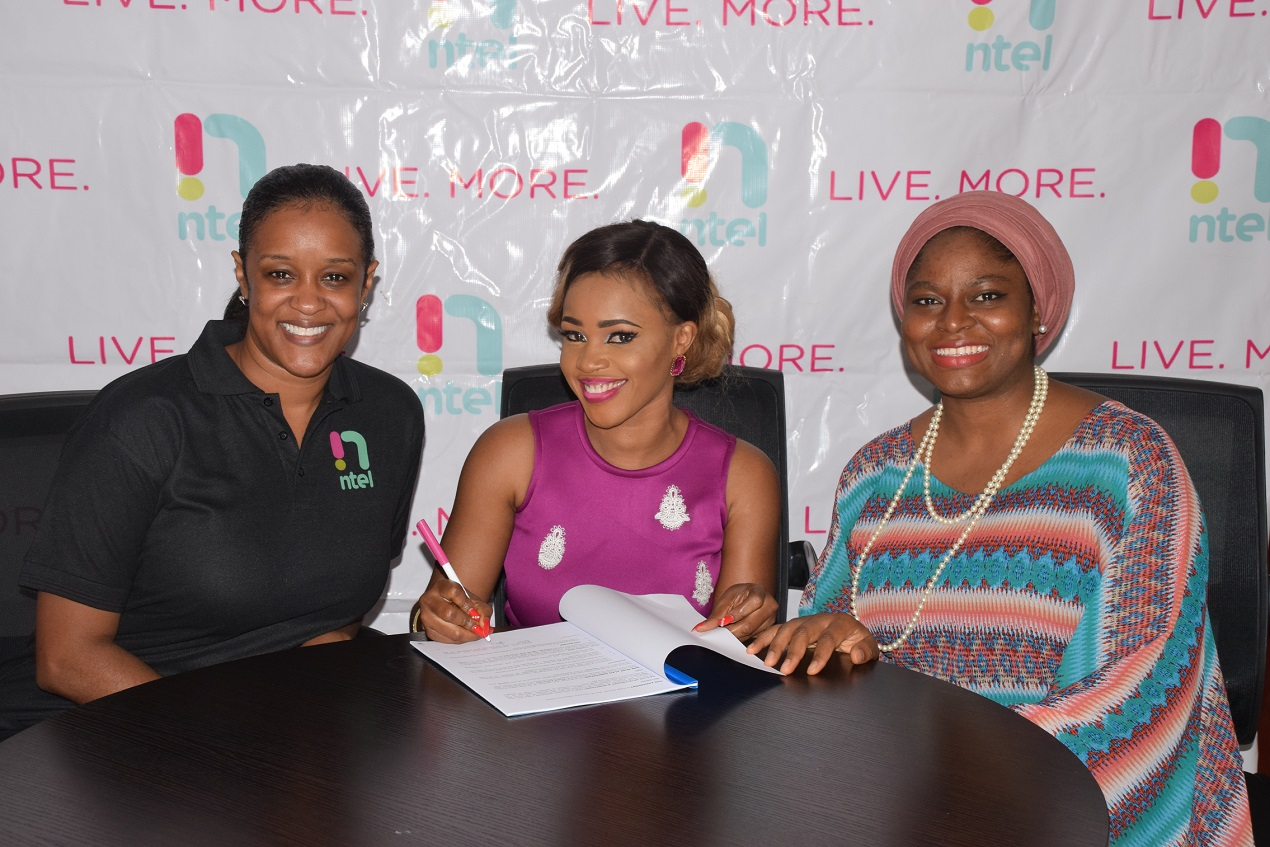 (l-r) Jenika Mukoro, General Manager, Brand Management, ntel Bose Alao Omotoyossi, Brand Advocate and Oluwatoyin Tella-Binuyo, Legal Advisor, ntel during the signing on of Ms. Omotoyosi as ntel Brand Advocate